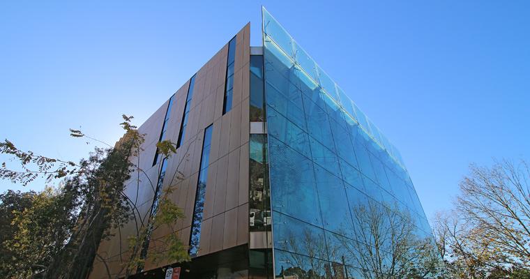 シドニーのオシャレエリアにある図書館 SURRY HILLS LIBRARY(サリーヒルズ図書館) | SURRY HILLS(サリーヒルズ)