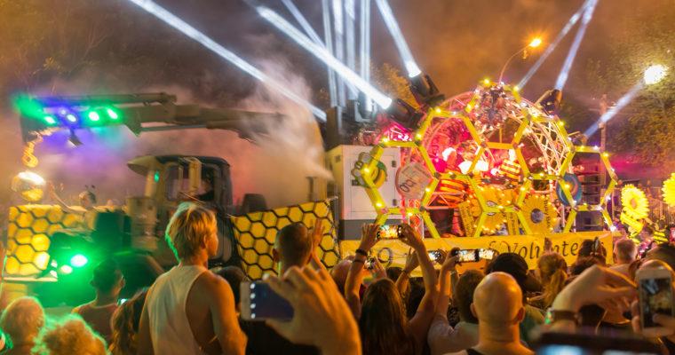 シドニーのLGBTQIのパレード MARDI GRAS(マルディ・グラ)