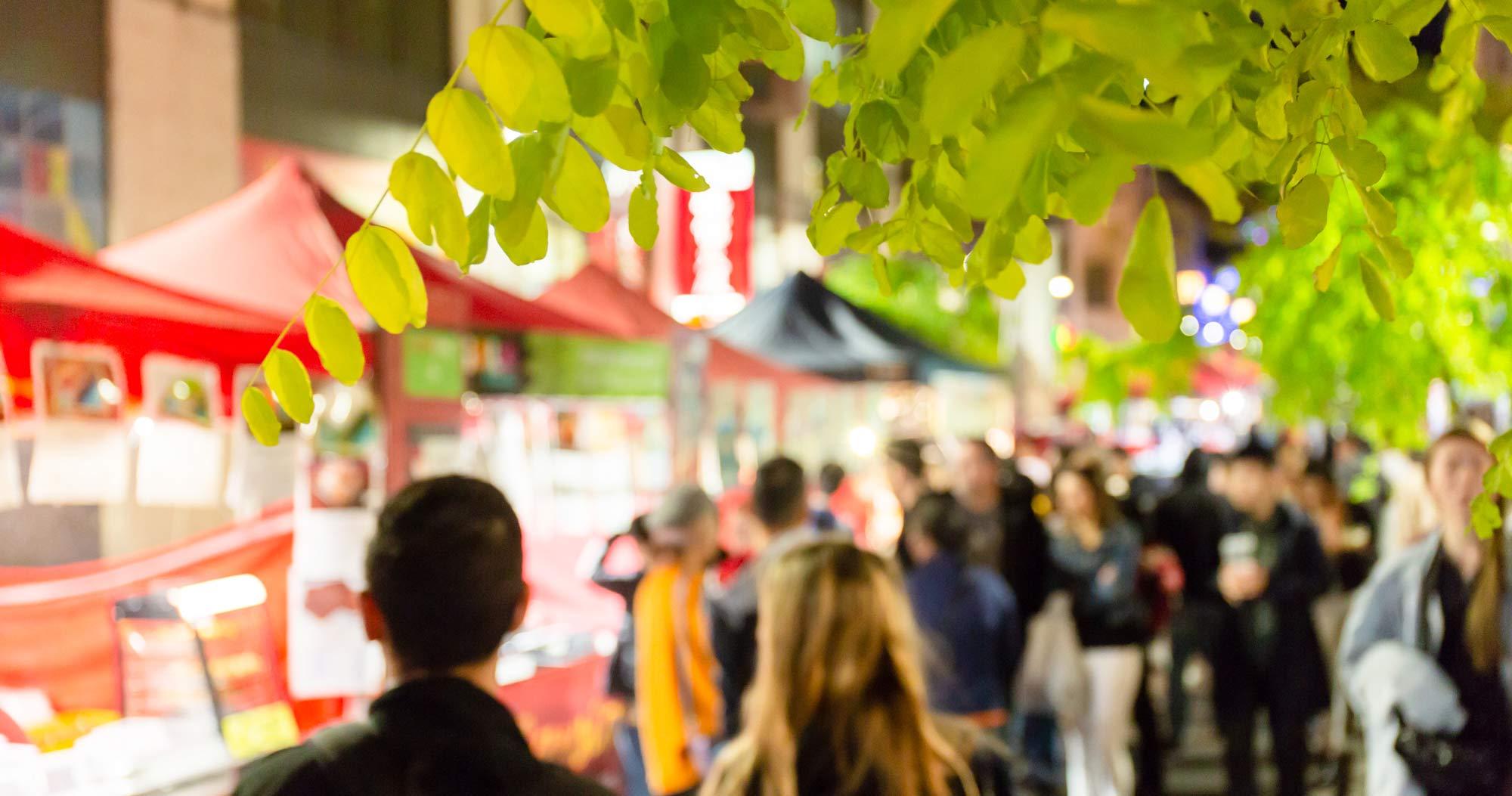 金曜日の夜はチャイナタウンのNIGHT MARKET | HAY MARKET(ヘイ・マーケット)